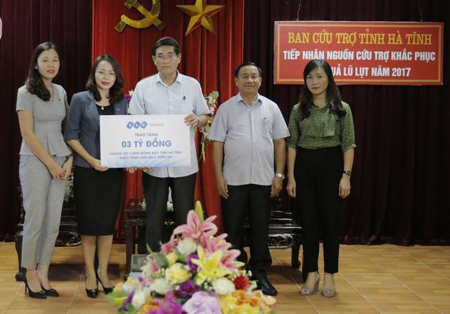 Tập đoàn FLC trao tặng 3 tỷ đồng hỗ trợ khắc phục thiên tai tại Hà Tĩnh.