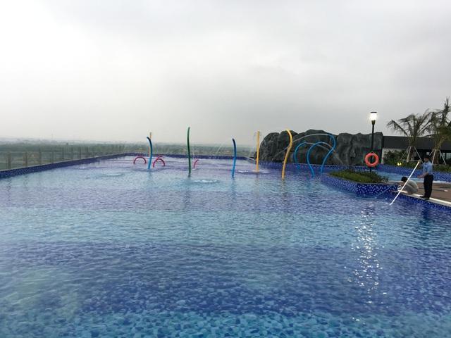 Bể bơi trên không đầu tiên ở Hà Nội do HVC lắp đặt.