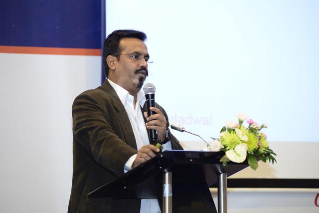 Ông Rohit nói về tầm quan trọng của di động đối với cuộc sống.