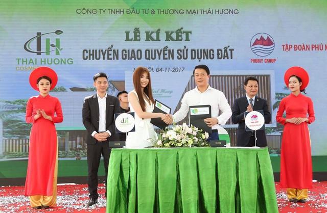 Lễ ký kết chuyển giao khu đất cho nhà máy sản xuất mỹ phẩm thiên nhiên Linh Hương thứ tư trong tương lai.