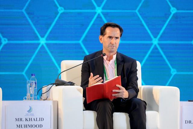 Ông Khalid Muhmood – đồng sáng lập Apollo English tham gia APEC 2017 với vai trò là điều phối viên chính phiên thảo luận về Y tế và Giáo dục.