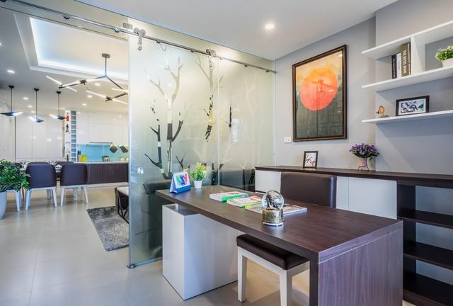 Hình ảnh thực tế: Phòng đa năng thiết kế linh hoạt, có thể sử dụng để làm phòng làm việc hoặc các chức năng khác tuỳ theo nhu cầu của gia chủ.