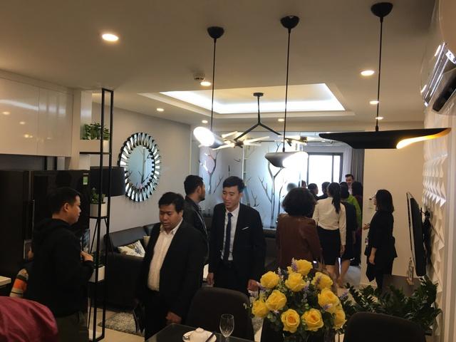 Sự kiện khai trương căn hộ mẫu 2+1 phòng ngủ thu hút sự quan tâm của hàng trăm khách hàng.