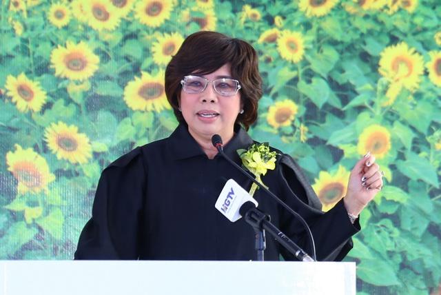 Bà Thái Hương phát biểu tại Lễ Động thổ.