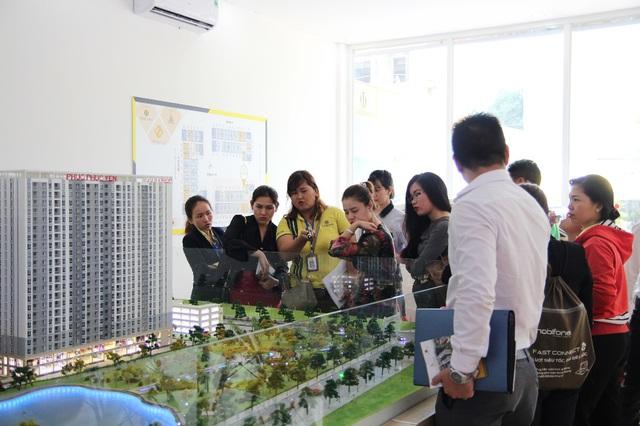 Chuỗi sự kiện tham quan khu nhà mẫu tại dự án được tổ chức hàng tuần mang lại trải nghiệm thực tế nhất dành cho khách hàng tương lai.