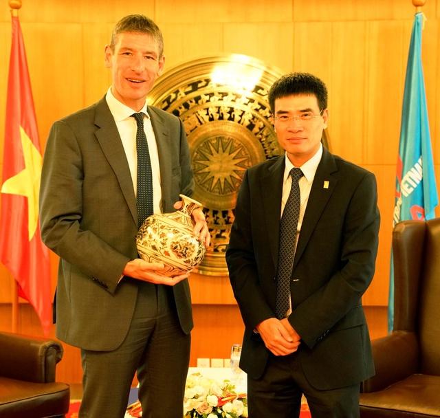 Đại sứ Vương Quốc Anh tại Việt Nam đến thămvà làm việc với PV GAS - Ảnh 1.