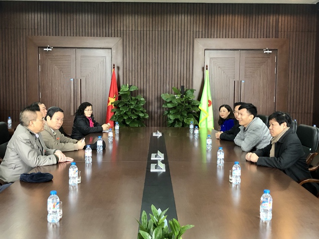 ANPHATPLASTIC (AAA): Đón đồng chí Phùng Quốc Hiển - Ủy viên Trung ương Đảng, Phó Chủ tịch Quốc hội thăm và làm việc tại Công ty - Ảnh 1.