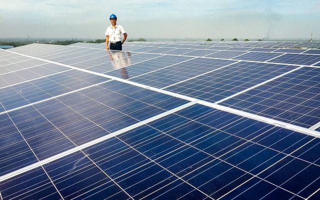 Sử dụng điện mặt trời mang lại hiệu quả kinh tế cao cho doanh nghiệp - Ảnh 2.