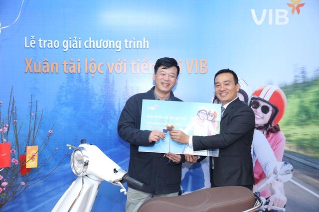 VIB công bố gần 300 khách hàng gửi tiết kiệm trúng thưởng đợt 1 - Ảnh 1.