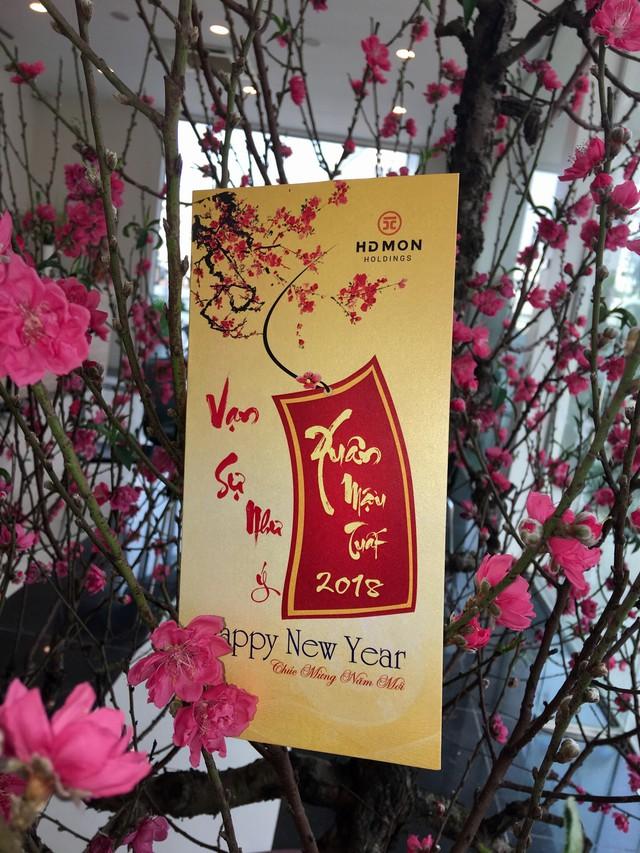 HDMON Holdings tặng quà và chúc tết cư dân Mon City tết Mậu Tuất - Ảnh 2.