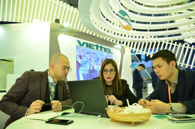 """MWC 2018: Viettel nổi bật giữa những """"ông lớn"""" của ngành di động toàn cầu - Ảnh 1."""