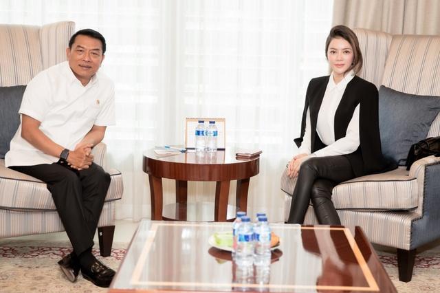 Lý Nhã Kỳ gặp gỡ Chánh Văn phòng Phủ Tổng thống Indonesia - Ảnh 1.