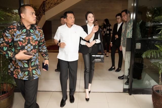 Lý Nhã Kỳ gặp gỡ Chánh Văn phòng Phủ Tổng thống Indonesia - Ảnh 2.
