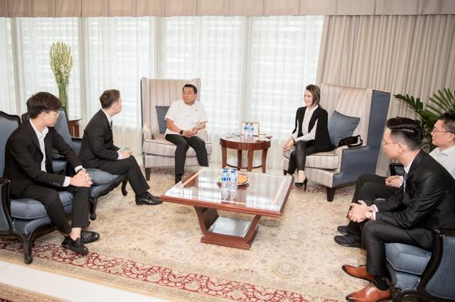 Lý Nhã Kỳ gặp gỡ Chánh Văn phòng Phủ Tổng thống Indonesia - Ảnh 4.