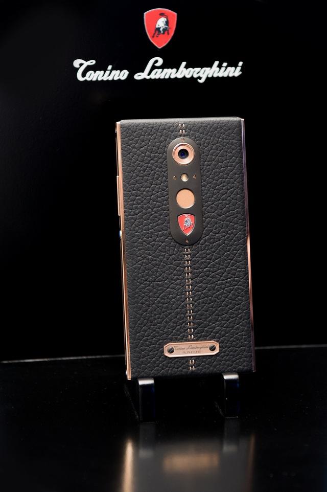 Tận mắt chiêm ngưỡng điện thoại siêu sang Tonino Lamborghini - Ảnh 3.
