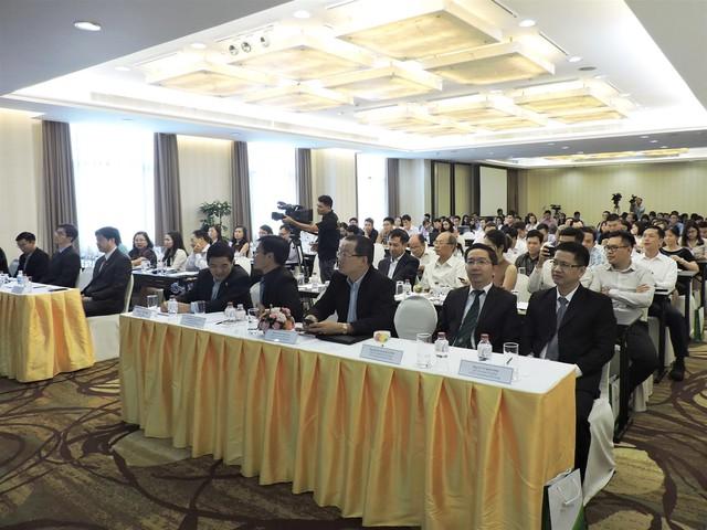 """Hội thảo """"Dự báo kinh tế Việt Nam và triển vọng đầu tư năm 2018"""" - Ảnh 1."""