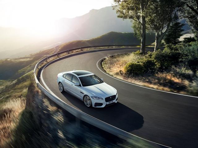 Trải nghiệm nghệ thuật của hiệu suất cùng Jaguar Driving Experience - Ảnh 2.