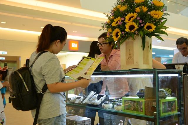 Thương hiệu trầm hương Hoàng Giang khai trương cửa hàng đầu tiên ở TP. HCM - Ảnh 2.