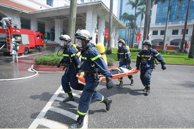 Khách sạn Hà Nội Daewoo tổ chức diễn tập phương án chữa cháy năm 2018 - Ảnh 2.