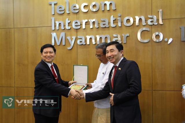 Viettel công bố chiến lược kinh doanh tại Myanmar - Ảnh 2.