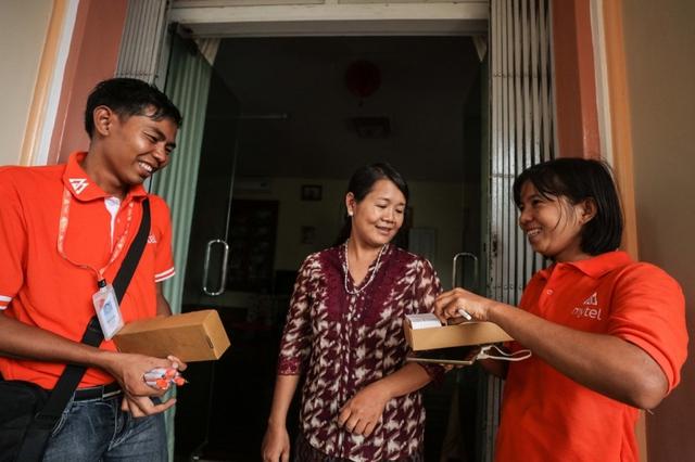 Môi trường làm việc nhiều thách thức của Viettel thu hút nhân sự sở tại Myanmar - Ảnh 1.