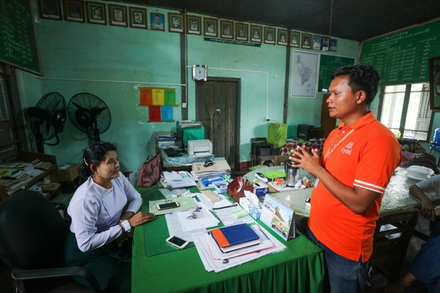 Môi trường làm việc nhiều thách thức của Viettel thu hút nhân sự sở tại Myanmar - Ảnh 2.