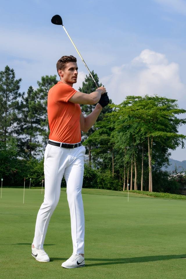 Aristino ra mắt bộ sưu tập thời trang golf hè 2018 - Ảnh 1.