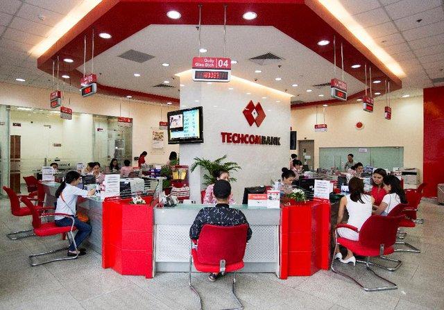 Techcombank - Không phụ thuộc tín dụng, lợi nhuận vẫn tăng kỷ lục - Ảnh 1.