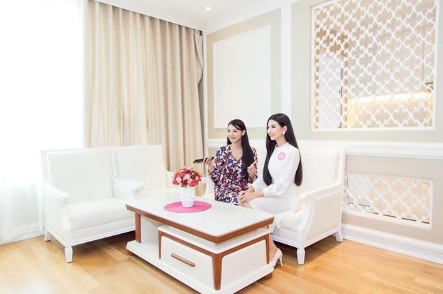 Thí sinh HHVN 2018 hào hứng khám phá căn hộ Thụy Sỹ sang trọng giữa lòng Sài Gòn - Ảnh 3.
