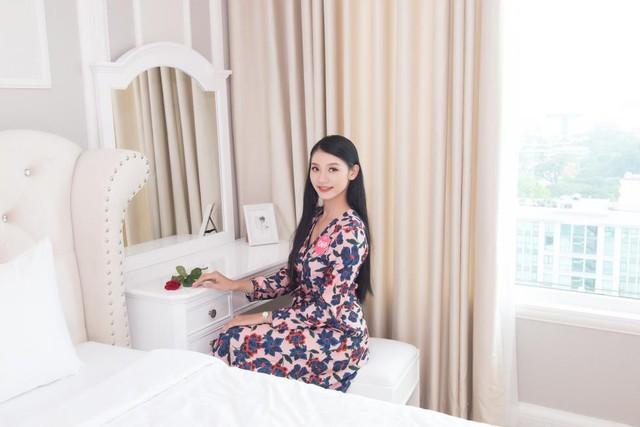 Thí sinh HHVN 2018 hào hứng khám phá căn hộ Thụy Sỹ sang trọng giữa lòng Sài Gòn - Ảnh 4.