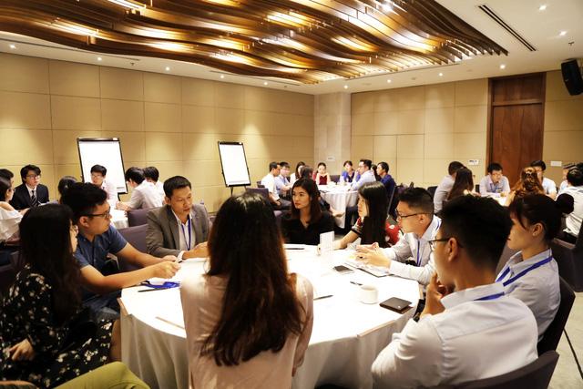 """Diễn giả Ngô Thế Triệu, CFA tại Hội thảo nghề nghiệp 2018: """"Để thành công, đừng đứng lại"""" - Ảnh 1."""