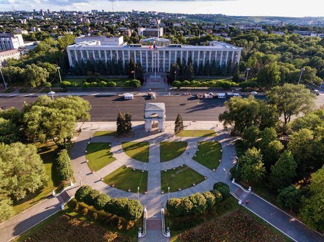 Trở thành công dân Châu Âu với quốc tịch Moldova - Ảnh 2.