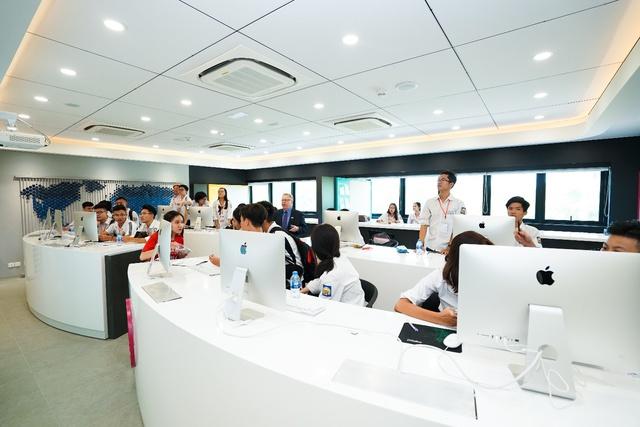 Rộng mở cánh cửa đến kỷ nguyên giáo dục mới với BUV - Ảnh 2.