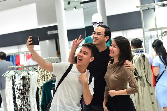 MANGO khai trương cửa hàng thứ 8 tại trung tâm thương mại Vincom Center Thảo Điền - Ảnh 2.