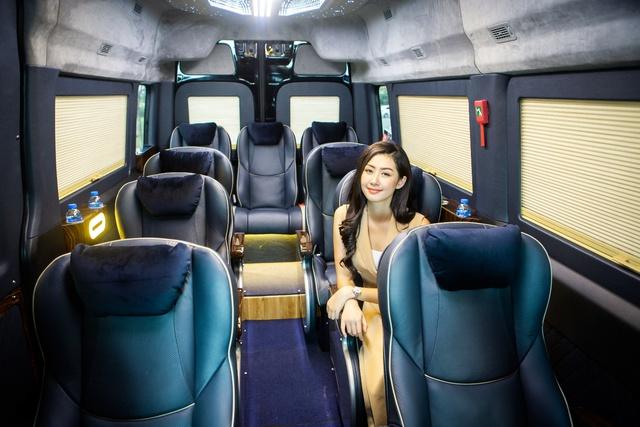 Chiêm ngưỡng nội thất Limousine sang trọng của dòng xe Skybus Solati X Series - Ảnh 1.