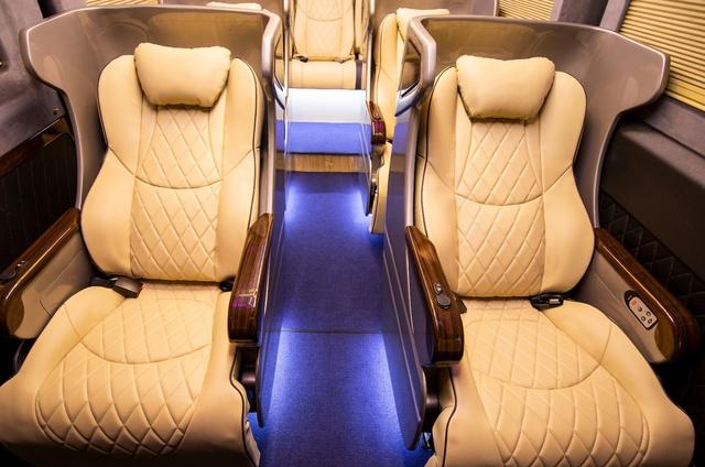 Chiêm ngưỡng nội thất Limousine sang trọng của dòng xe Skybus Solati X Series - Ảnh 3.
