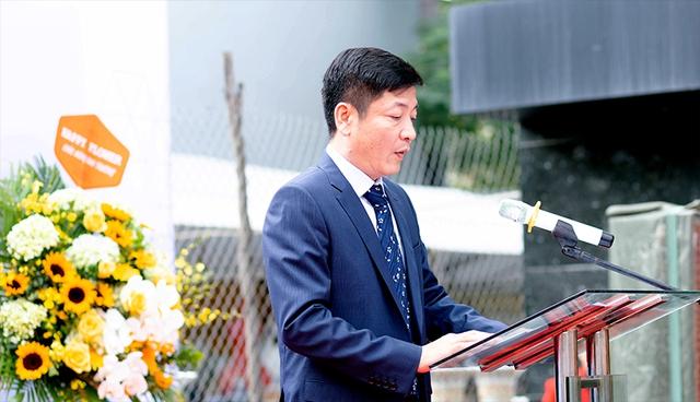 Vietbank dành hàng trăm quà tặng khách hàng nhân dịp khai trương trụ sở mới Phòng giao dịch Lê Hồng Phong - Ảnh 1.