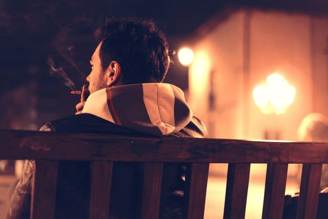 Đàn ông 30 khác hẳn cái thời 20: Vô trách nhiệm với tình yêu, vô trách nhiệm với chính bản thân mình - Ảnh 1.