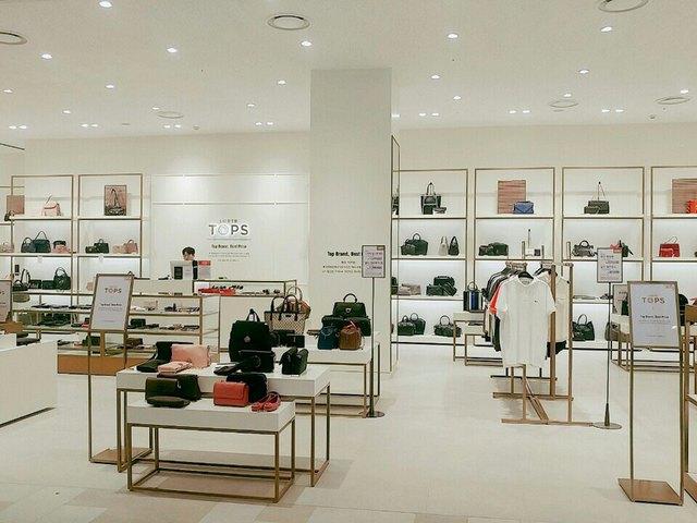 Thay đổi diện mạo sau 4 năm mở cửa, Lotte Department Store đầu tư công nghệ nâng cao trải nghiệm khách hàng. - Ảnh 1.