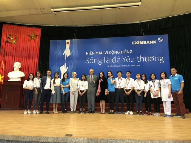 Eximbank tổ chức ngày hội hiến máu vì cộng đồng 2018 - Ảnh 1.