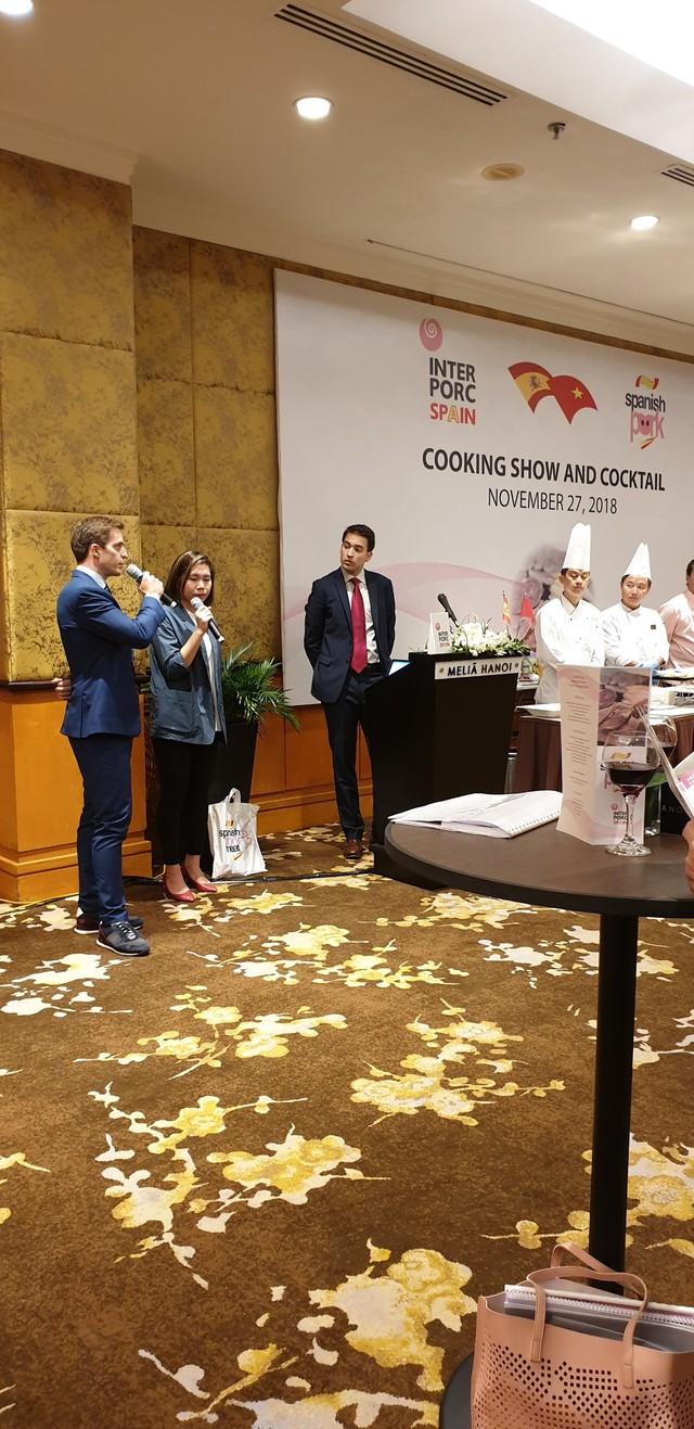 Người tiêu dùng Việt hào hứng với sự kiện giới thiệu thịt heo trắng Tây Ban Nha - Ảnh 2.