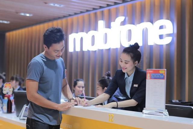 MobiFone hoàn 25% cước cho khách chuyển mạng giữ số - Ảnh 2.