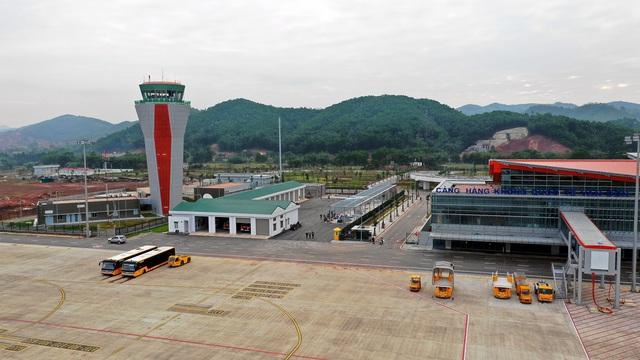 Hãng hàng không Vietjet Air khai trương đường bay Vân Đồn - Thành phố Hồ Chí Minh - Ảnh 2.