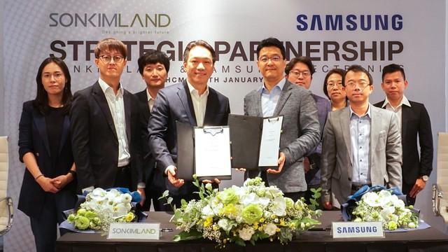 SonKim Land và Samsung Electronics ký kết hợp tác chiến lược - Ảnh 1.