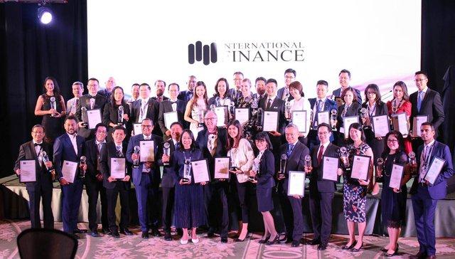 IFM trao tặng giải thưởng ngân hàng số đột phá năm 2018 cho OCB - Ảnh 1.
