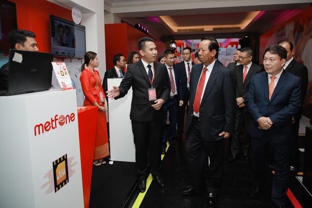 Ông Lê Đăng Dũng: Chúng tôi cấm nhau nói Viettel là công ty viễn thông, phải gọi là nhà cung cấp số - Ảnh 1.
