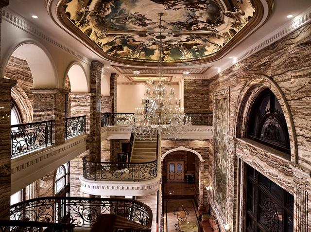 Cảm hứng cung điện Versailles tỏa sáng tại D'. Palais Louis - Ảnh 1.