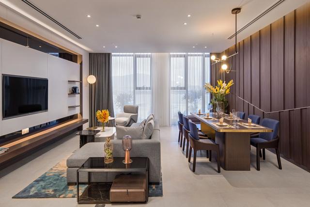 Tòa nhà dát vàng Risemount Apartment bên sông Hàn ra mắt căn hộ mẫu - Ảnh 2.
