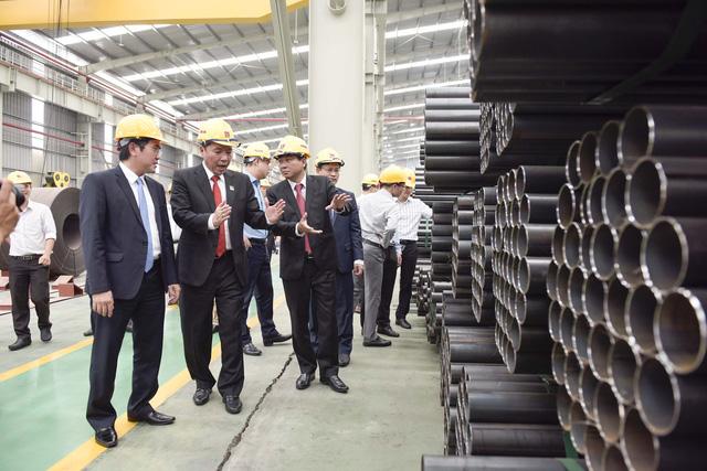Tập đoàn Hoa Sen liên tục xuất khẩu các đơn hàng lớn và khánh thành Nhà máy mới - Ảnh 1.