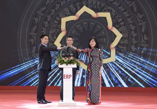 Tập đoàn Hoa Sen liên tục xuất khẩu các đơn hàng lớn và khánh thành Nhà máy mới - Ảnh 2.